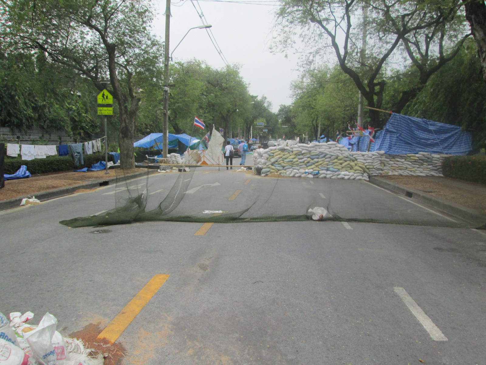 Thai protests barricade
