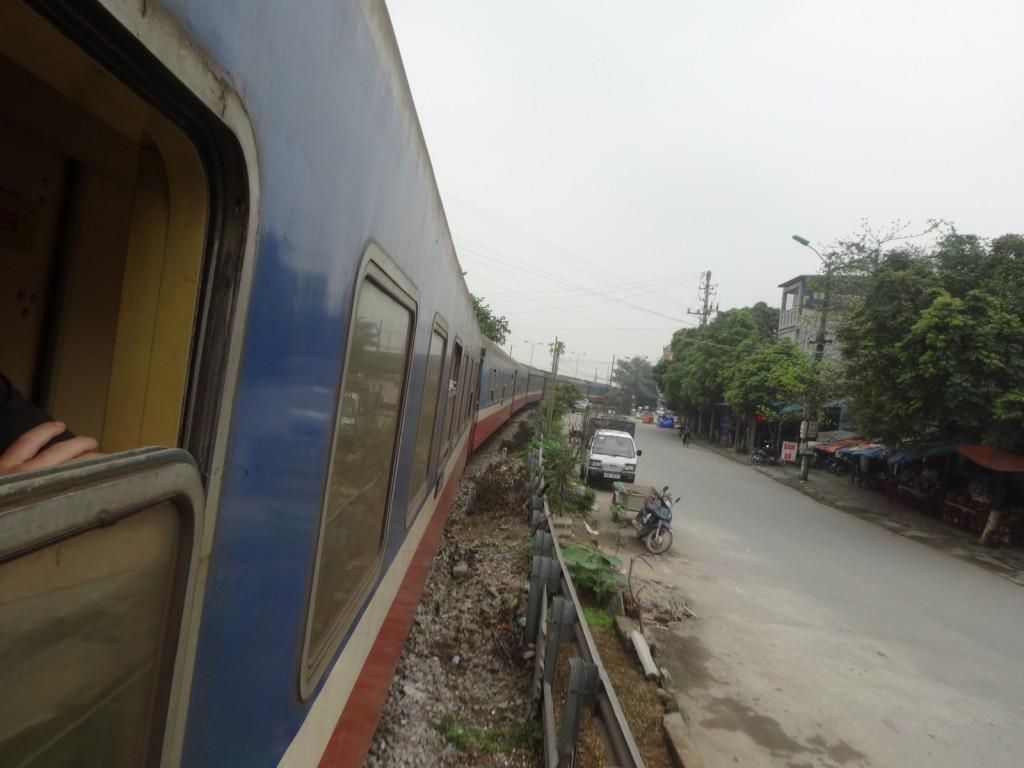 Arrivée en train à Ha Noi