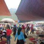 Market scene in Meo Vac