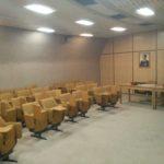 Salle de conférence dans le bunker de Tito