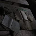 Livres dans une école abandonnée de Pripyat