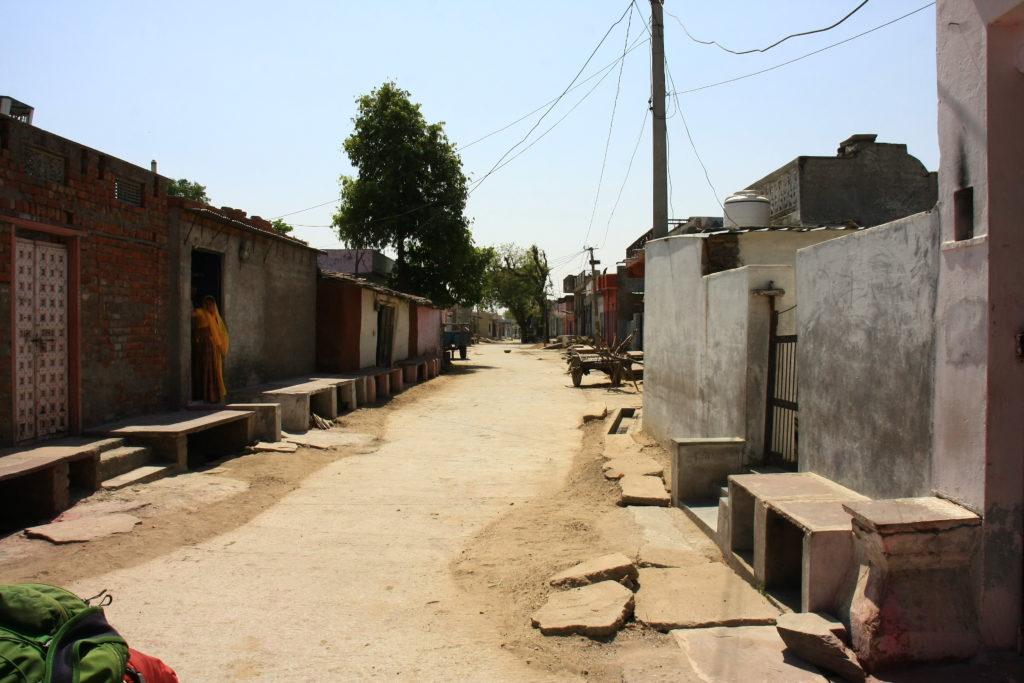 Rue d'un village, Rajasthan, Inde