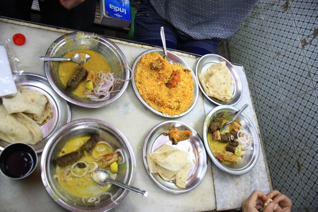 Repas de kebabs, Delhi, Inde