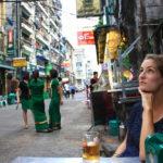 Sur une terrasse, Rangoun, Myanmar