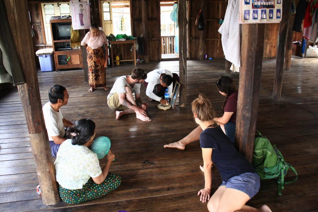 Chez notre guide, Lac Inle, Myanmar