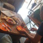 Repas de charcuterie et fromages
